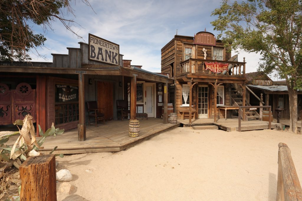 Pioneertown_california_saloon_and_bath_house